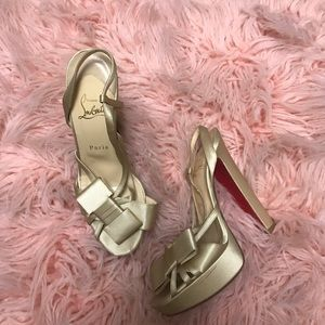 💥SALE💥 Authentic christian louboutin beige heels